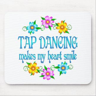 Sonrisas del baile de golpecito alfombrilla de ratones