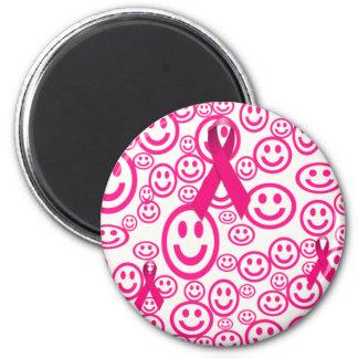 Sonrisas rosadas de la cinta que ayudan imán redondo 5 cm