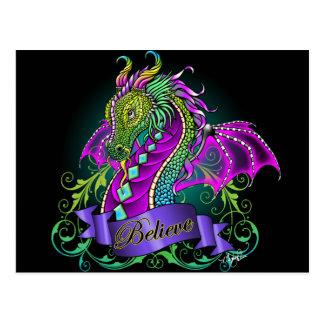 Sonya cree la postal del dragón del arco iris