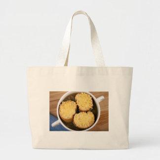 Sopa de la cebolla con el bolso del paño de los bolsa tela grande