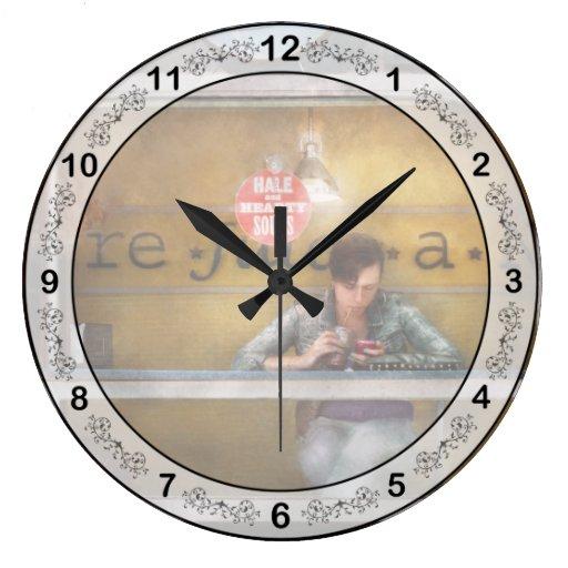 Sopas sanas y calurosas de la ventana - Hoboken, N Reloj Redondo Grande