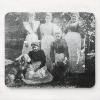 Sophia Farrell and maids, 1899 Mouse Pad