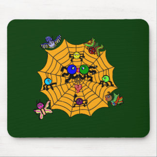 Sophie the Spider in a love smooch. Mouse Pad
