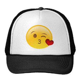Sople a un pegatina del emoji del beso gorro de camionero