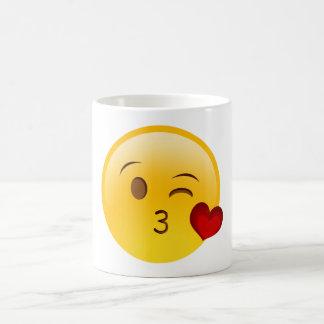 Sople una taza del emoji del beso