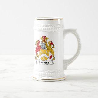 Soplo del escudo de la familia tazas de café
