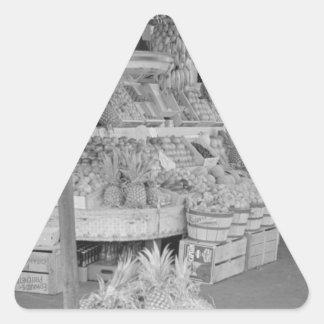 Soporte de fruta francés del mercado junio pegatina triangular
