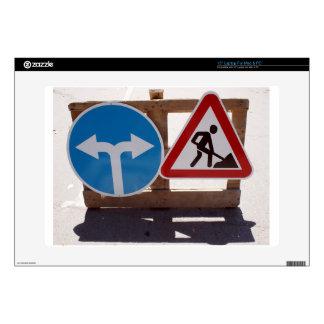 Soporte de madera de dos señales de tráfico bajo portátil 38,1cm skins