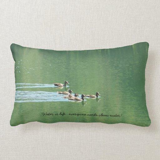 Soporte (lumbar) con el lago verde cojines