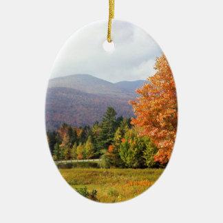 Soporte Mansfield Vermont del otoño Adorno Ovalado De Cerámica
