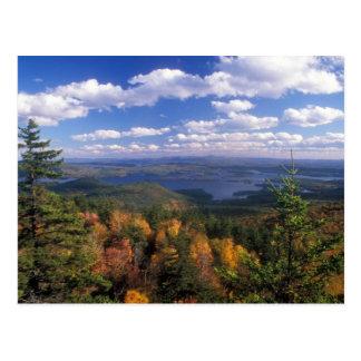 Soporte Morgan y lago Squam en otoño Postales