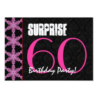 """Sorprenda el 60.o rosa de la fiesta de cumpleaños invitación 5"""" x 7"""""""