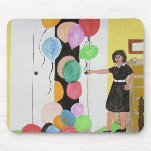 Sorpresa de los globos del cumpleaños tapete de raton