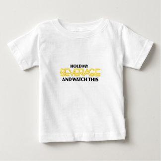 Sostenga mi bebida (el neón desagradable) camisas