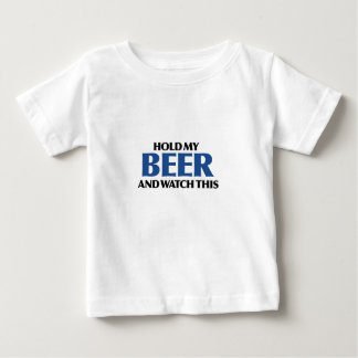 Sostenga mi cerveza (el bombardero azul) playeras
