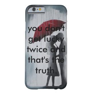 Soulmates debajo de un paraguas funda de iPhone 6 barely there