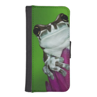 South America, Brazil, Amazon Basin. Close-up of 2 iPhone SE/5/5s Wallet Case