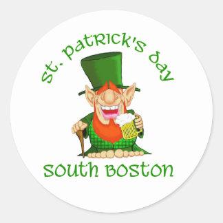 ~South Boston del día del St Patricks Pegatina Redonda