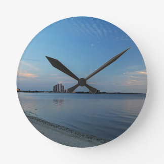 Southbound Breeze Round Clock