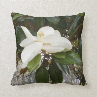 SOUTHERN MAGNOLIA Throw Pillow