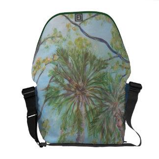 SOUTHERN TREES Messenger Bag