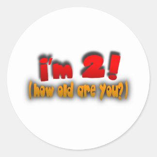 ¡Soy 2! ¿Cómo viejo es usted? -- Rojo, oro y gris Pegatinas Redondas