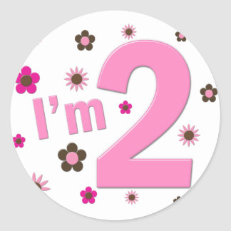 """""""Soy 2"""" rosa y las flores de Brown Pegatina Redonda"""