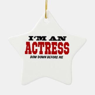 Soy actriz arqueo abajo antes de mí adorno navideño de cerámica en forma de estrella