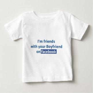 Soy amigos con su novio en facebook playera de bebé