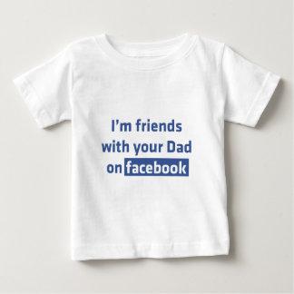 Soy amigos con su papá en Facebook Playera De Bebé