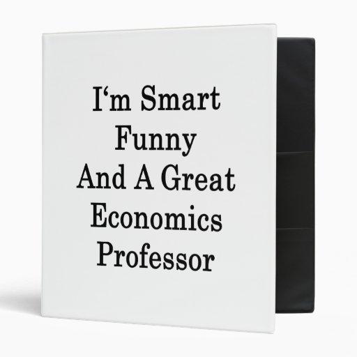 Soy divertido elegante y gran profesor de economía