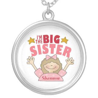 Soy el collar de la hermana grande