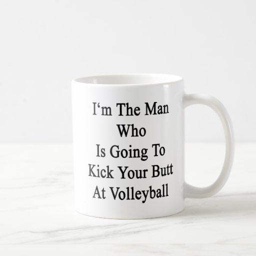 Soy el hombre que va a golpear su extremo con el p tazas de café