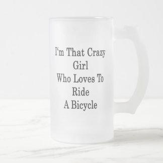 Soy ese chica loco que ama montar una bicicleta tazas