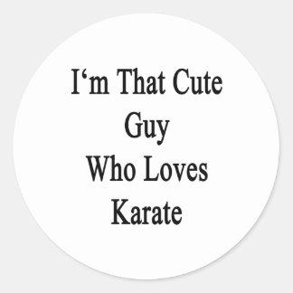 Soy ese individuo lindo que ama karate pegatina redonda