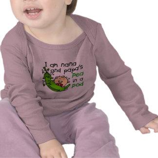 Soy guisante de Nana y de la papá en una vaina Camisetas