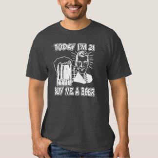 Soy hoy 21, me compro una cerveza camisa divertida