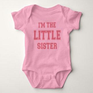 Soy la camiseta de la pequeña hermana
