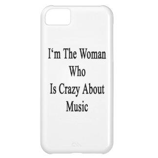 Soy la mujer que está loca por música