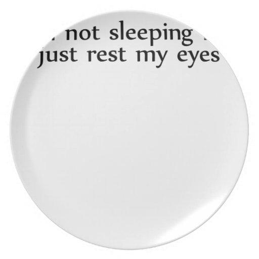 soy no durmiendo yo soy apenas resto mi eyes.png plato