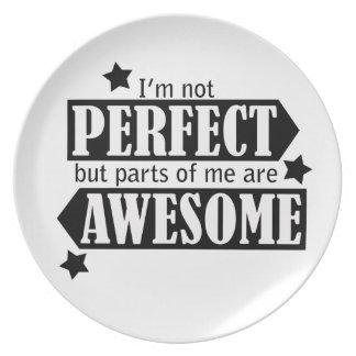 Soy no perfecto sino impresionante - declaración, platos de comidas