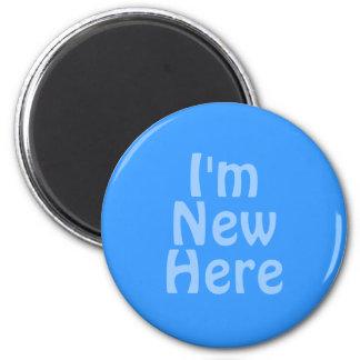 Soy nuevo aquí. Azul. Personalizado Imán Redondo 5 Cm