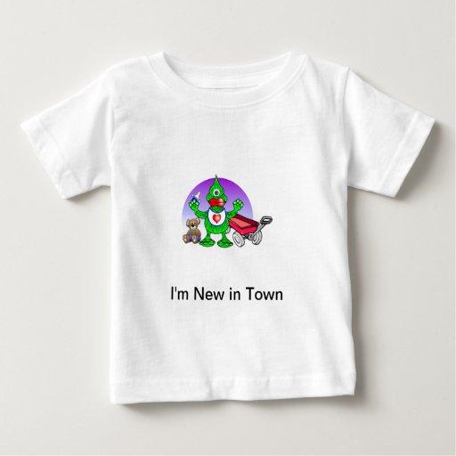 Soy nuevo en camiseta del niño de la ciudad playeras