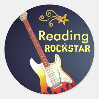 Soy pegatinas de lectura de un Rockstar Pegatina Redonda