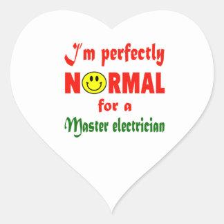 Soy perfectamente normal para un electricista pegatina en forma de corazón