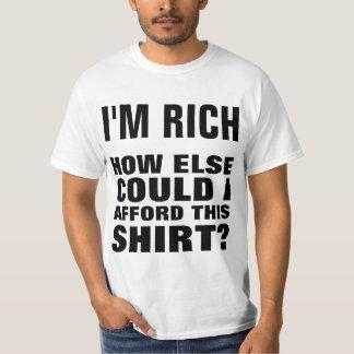 Soy RICO. ¿Cómo podría permitir esta camisa? Poleras