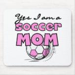 Soy sí camisetas y regalos de una mamá del fútbol tapetes de raton