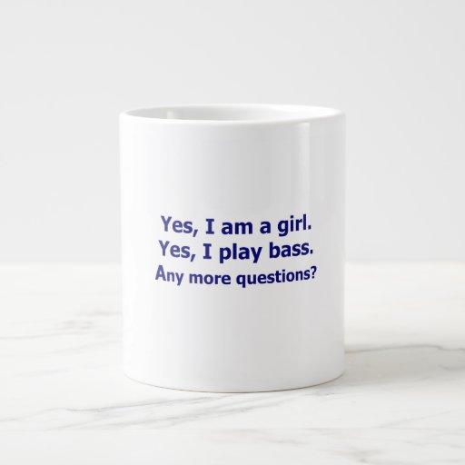 Soy sí un bajo del juego del texto del chica solam tazas extra grande
