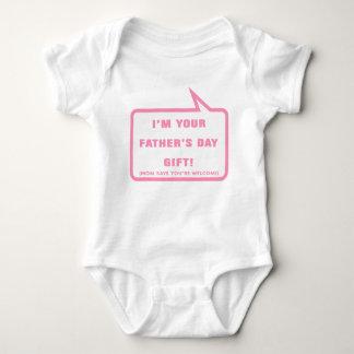 Soy su regalo del día de padre tshirts