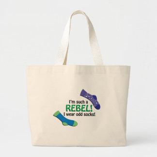 ¡Soy tal rebelde, yo llevo calcetines impares! Bolsa Tela Grande